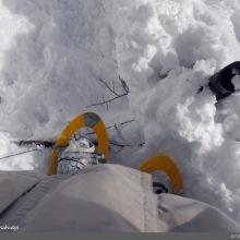 Se puede dimensionar la cantidad de nieve caída: un cerco de aproximadamente 1.80 metros de alto se encuentra completamente bajo la nieve dejando ver a penas la punta de una estaca.